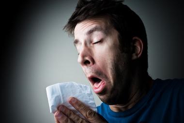 Estornudo de olor desagradable